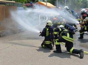 Feuermänner mit Wasserdruck